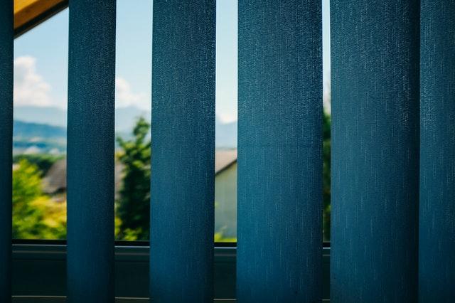 Como instalar persiana vertical