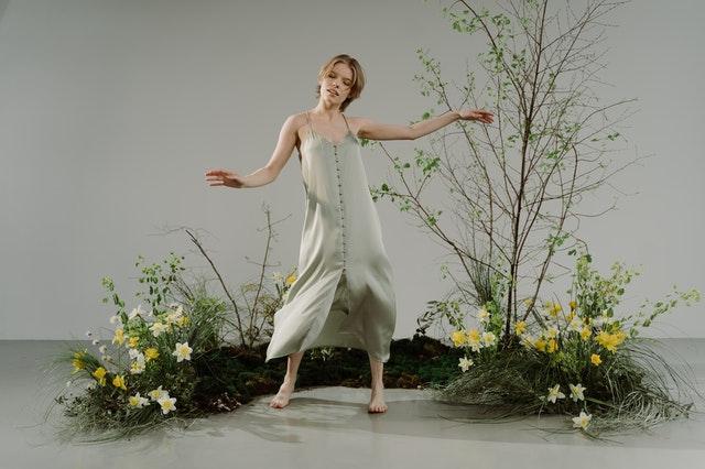 Vestido de Seda – Veja como lavar essa peça corretamente